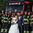 KOLLUM – Vrijdagmiddag trad Rianne Nauta, eerste vrouw bij korps brandweer Kollum, in het huwelijk met Janko Poelman. Het huwelijk werd voltrokken in het kerkje in Augsbuurt. Na afloop stonden […]