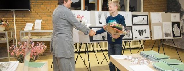 KOLLUM – Zijn tekening werd gekozen uit ruim 150 inzendingen. De 14-jarige Siard van der Meer maakte een illustratie voor de schoolbundel van de Jan Ritskes Poëziewedstrijd en won daarmee […]