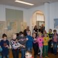 """KOLLUM – Donderdagmorgen kwamen de groepen 3 t/m 6 van de basisschool Op de Hoogte uit Burum naar de Oudheidkamer """"Mr. Andreae"""" in Kollum in het kader van een project […]"""