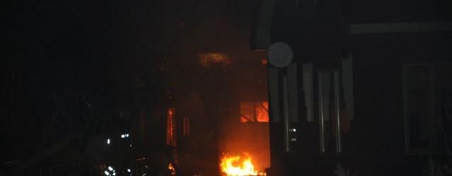 KOLLUMERZWAAG – Na een schuurbrand bij een woning aan het Foarwei in Kollumerzwaag wordt een 41-jarige bewoonster vermist. De brand ontstond rond 1:52 uur in een losstaande schuur bij de […]