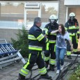 """KOLLUM – In een woning aan de Cuwaard was maandagavond een oefening van de brandweer Kollum. De blusploeg van Kollum draaide een scenario """"Woningbrand"""". Er was een telefonische melding gedaan […]"""