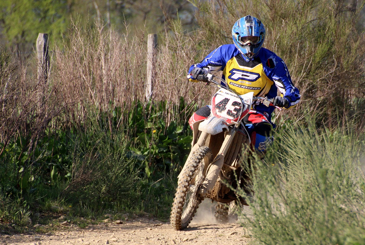 Photo of Harde aanpak overlast motorcrossers in de Marnewaard