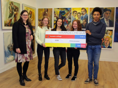 LC Cheque voor Amnesty International