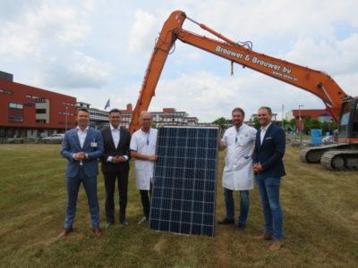 20180718 Ziekenhuis Nij Smellinghe start met installatie zonnepanelen
