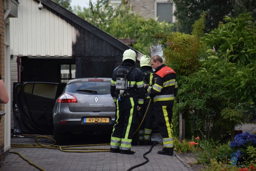 Photo of Autobrand richt veel schade aan in Zwagerbosch