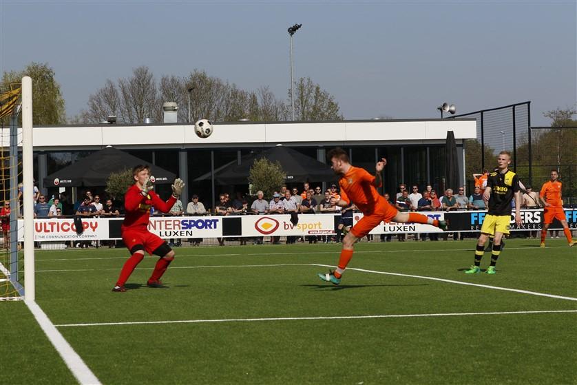Effectief VV Kollum pakt koppositie na winst op SC Leovardia