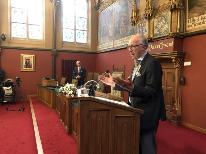 Photo of Oud-burgemeester Gerbrandy geridderd