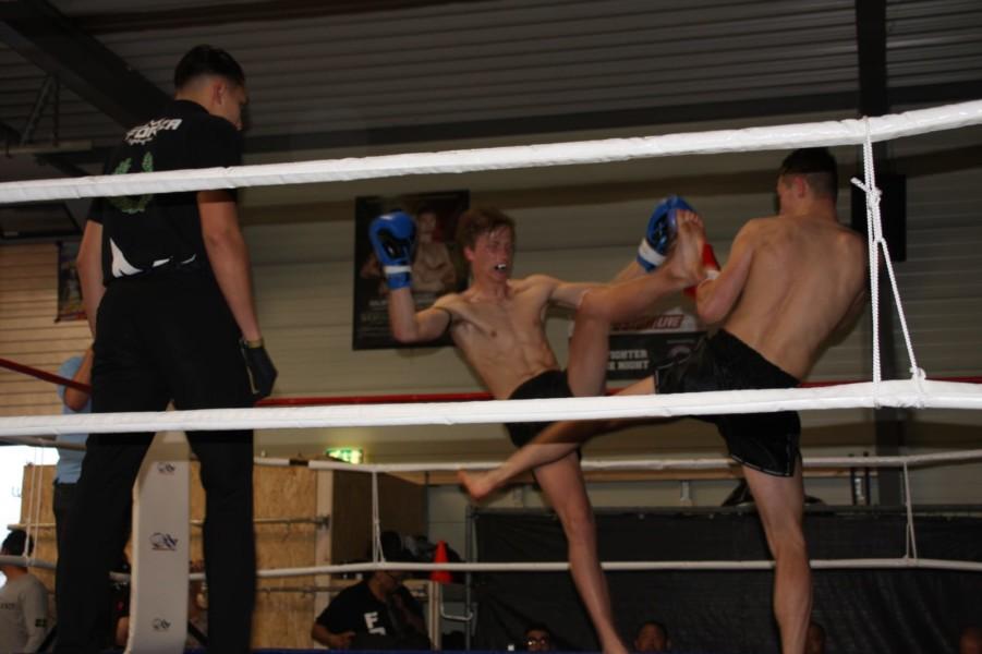 Photo of Jeugd kickboksers Sportcentrum Perfect Fit strijden tijdens het Friese Strijders gala