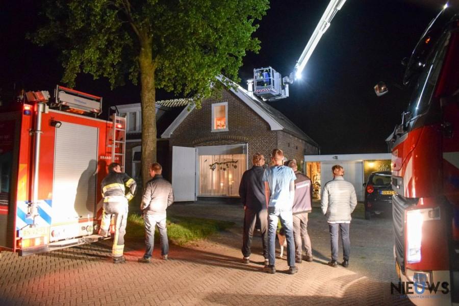 Photo of Omstanders voorkomen erger bij schoorsteenbrand in Kollumerpomp