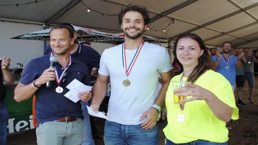Maarten van der Weijden gesteund door Drakenbootfestival Kollum