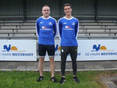 Talenten Justin Sletering (links) en Willem de Boer sluiten aan bij de eerste selectie van VV Buitenpost