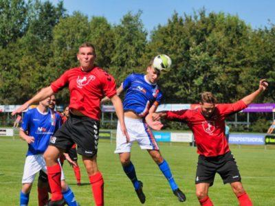 Kopbal van aanvoerder Berend Schootstra zal op de lat belanden