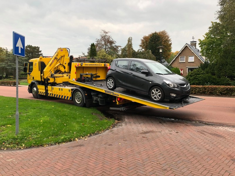 Zwarte Audi gezocht na aanrijding in Kollum