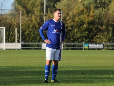 Joran Olijve ziet lijdzaam toe dat zijn team verliest
