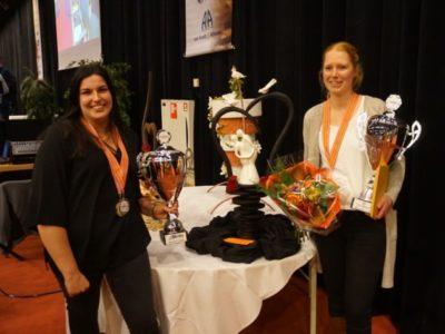 foto Anika en Hanneke sierstuk (1)