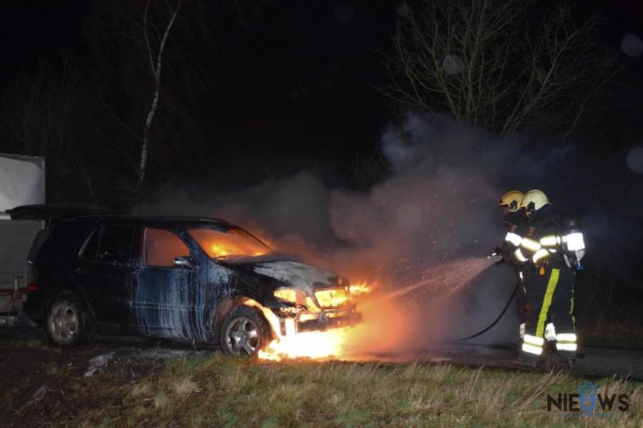 Photo of Brandweer blust autobrand in Buitenpost (video)