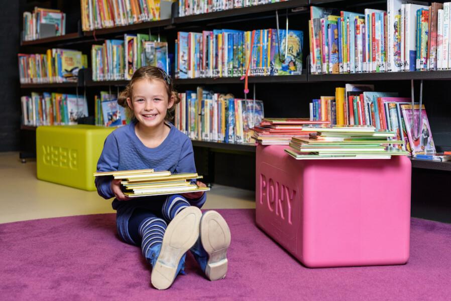 Schoolkinderen Noard-Fryslân blij met Vakantieleestas van de Bibliotheek