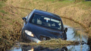 Photo of Automobilist vlucht na ongeval bij Buitenpost