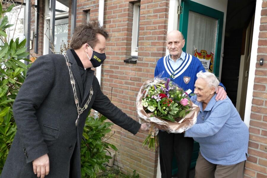 foto 1 65 jarig huwelijk echtpaar Boorsma Fokkens