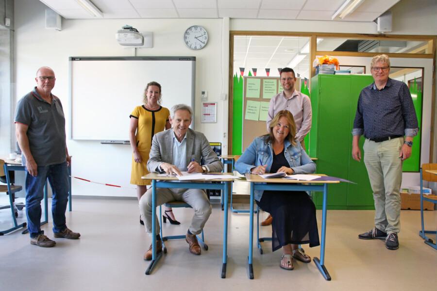 Lauwers College en NIVO Groep - ondertekening contract